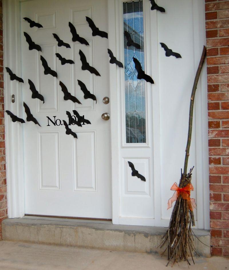 black-ornaments-on-the-front-door