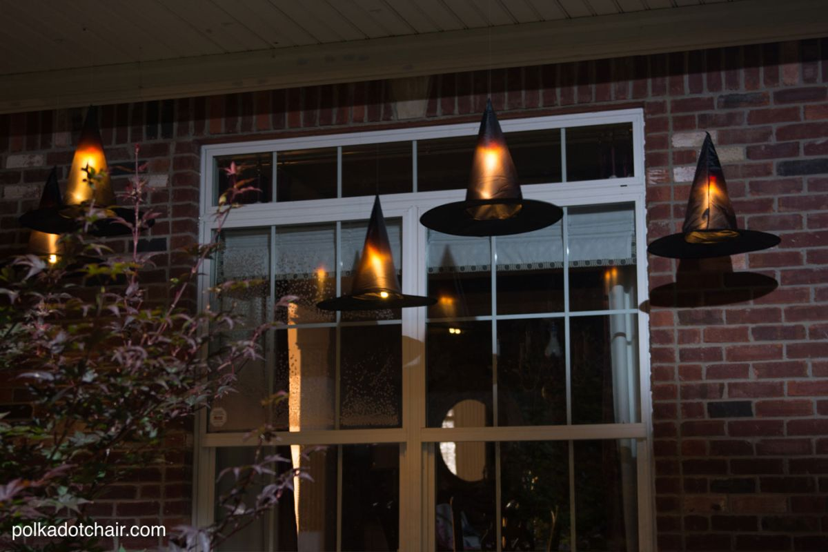 cute-witch-halloween-hats-on-the-porch