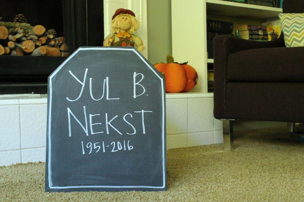 DIY Chalkboard Tombstone - Yul B Next