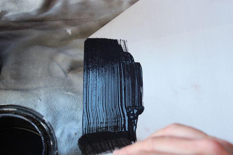 DIY Chalkboard Tombstone- foam roller