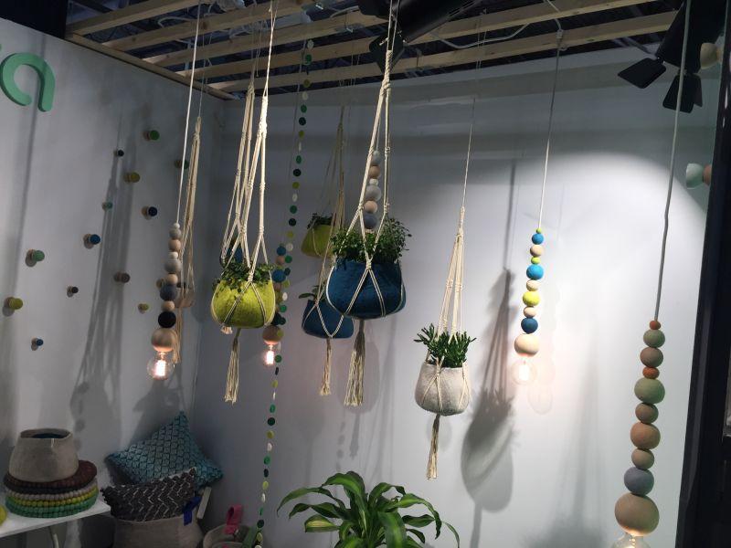 hanging-flower-felt-planters