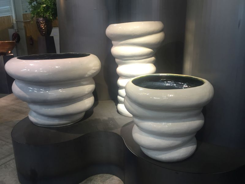 molded-flower-planters