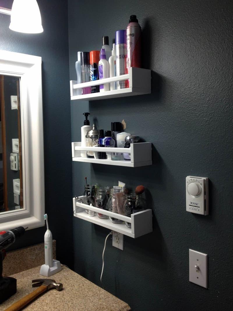 Spice rack shelves