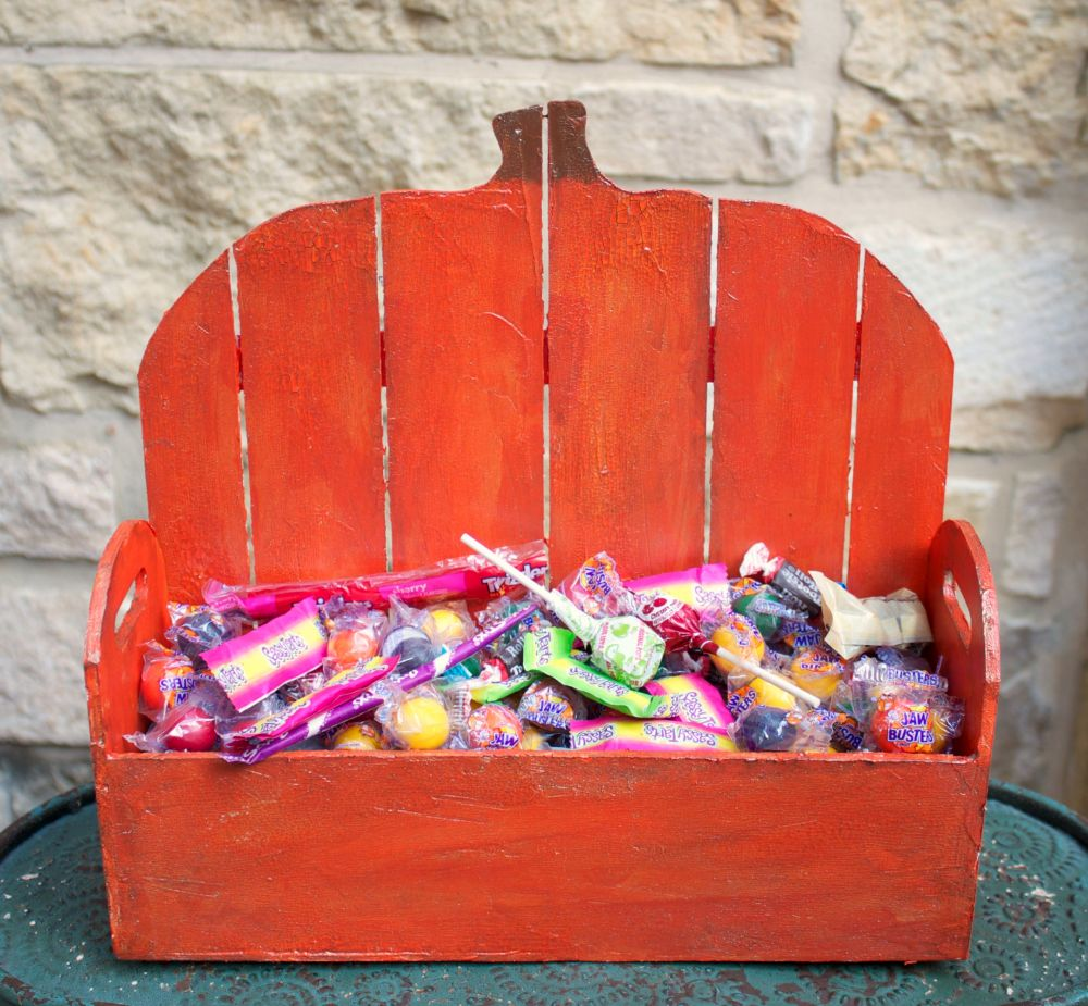 wood-pumpkin-basket-for-halloween
