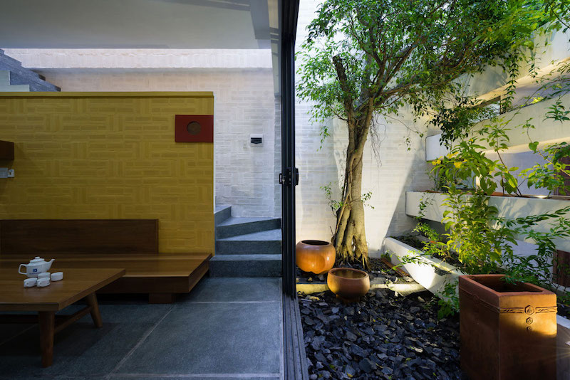 Can Tho House zen garden