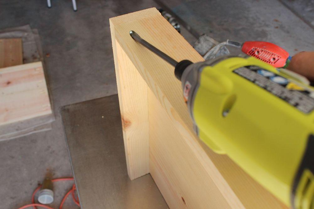 DIY Industrial Rolling Cart - pocket holes