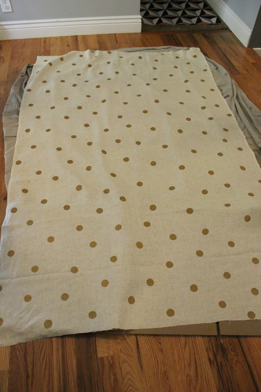 DIY Polka Dot Tablecloth for Thanksgiving