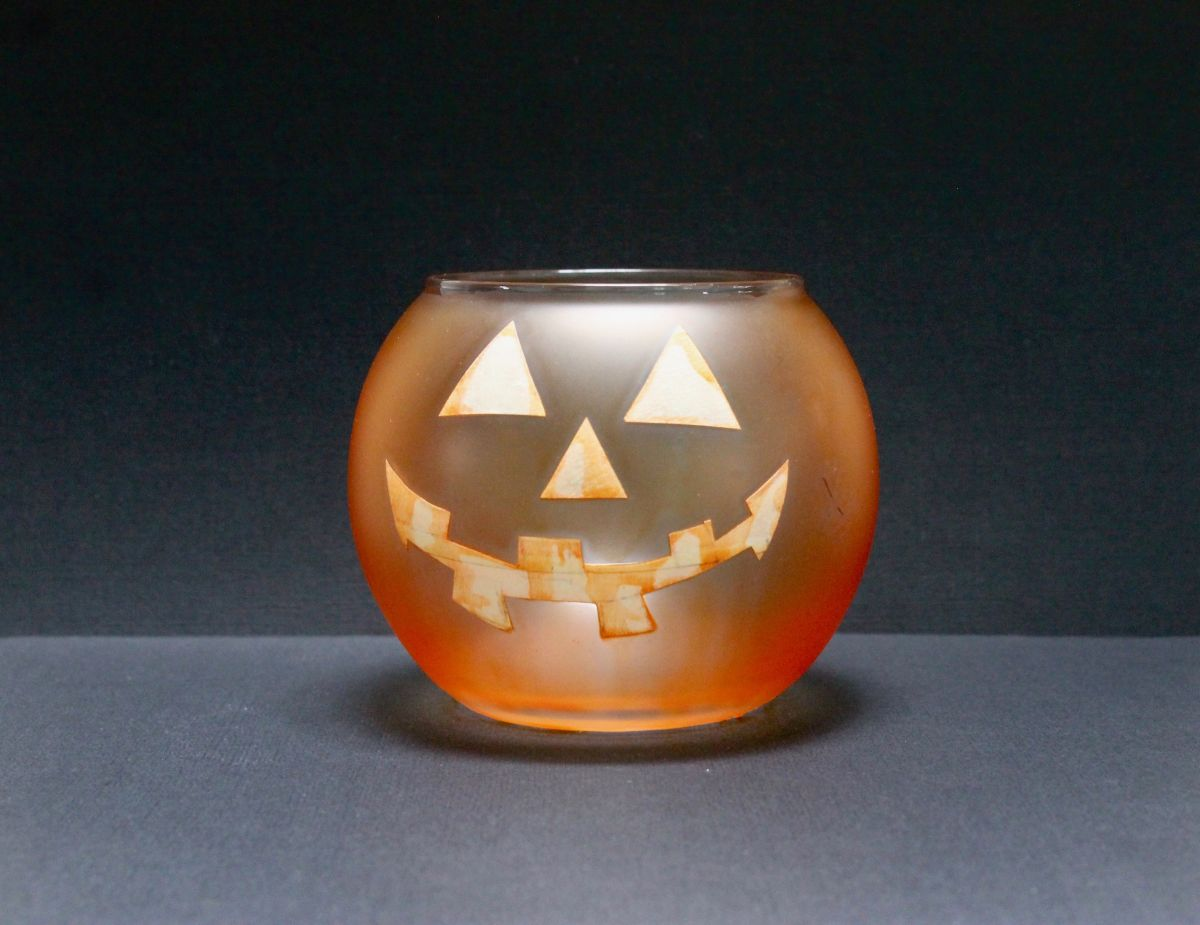 How to make the Jack-O-Lantern candle Step 2
