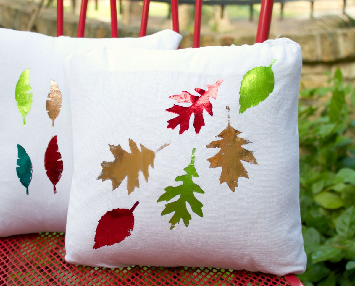 Make Foiled Pillows for Fall Project