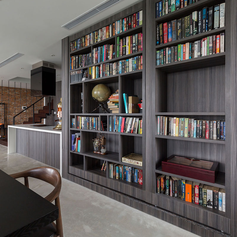 Penthouse Ecopark dining room bookcase
