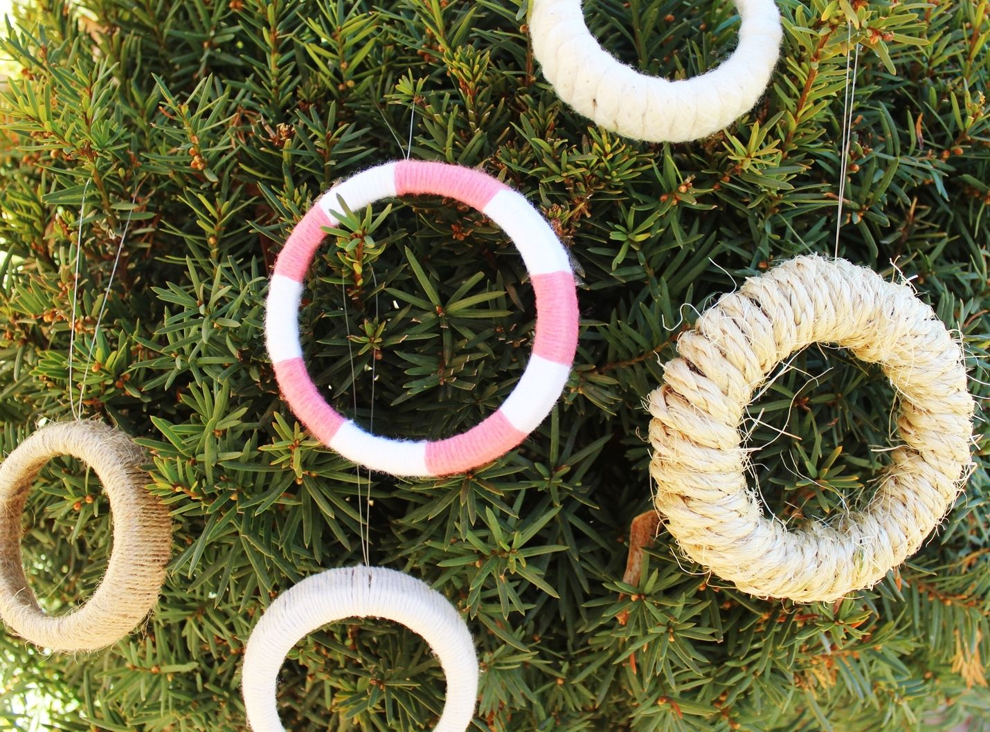DIY Mason Jar Lid Wreaths - DIY project fun