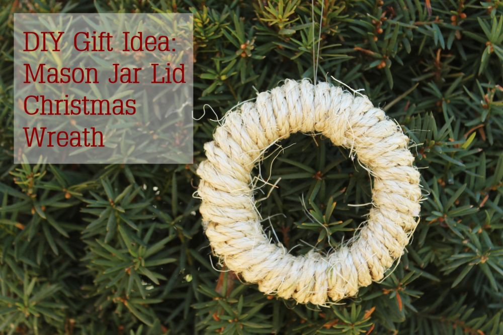 DIY Mason Jar Lid Wreaths for Christmas Tree