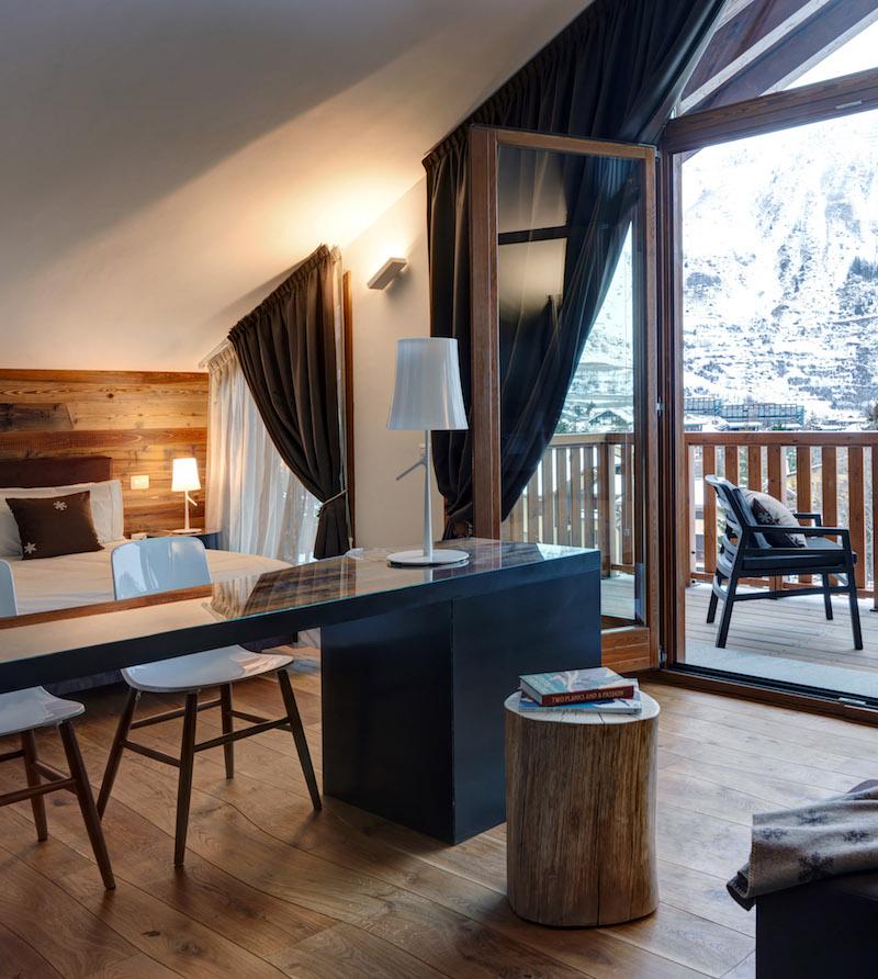 Nira Montana hotel bedroom view