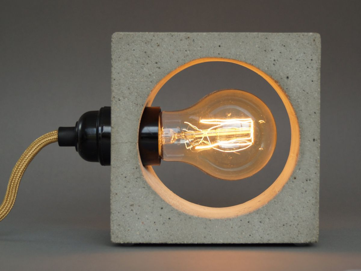 Nomad-concrete lamp