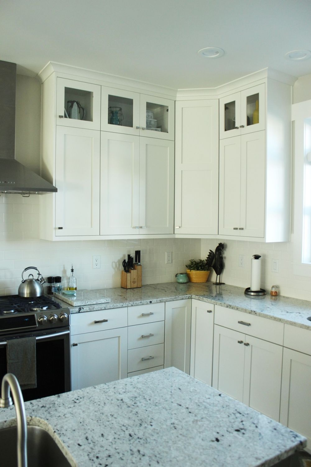 How to Decorate a Kitchen…Without Losing Countertop Space on Counter Decor  id=97150