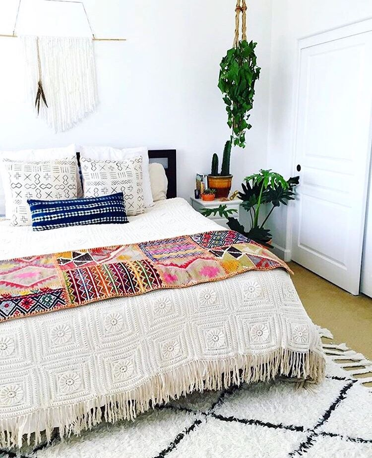 20 Tips to Turn Your Bedroom Into a Bohemian Paradise on Boho Bedroom  id=17463