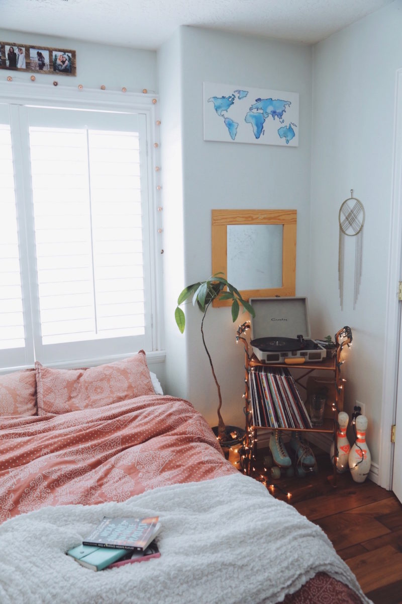 20 Tips to Turn Your Bedroom Into a Bohemian Paradise on Boho Bedroom  id=81387