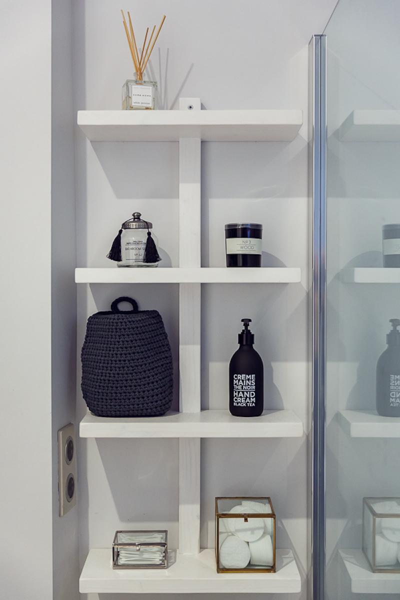 Poem Boem apartment bathroom wall shelves