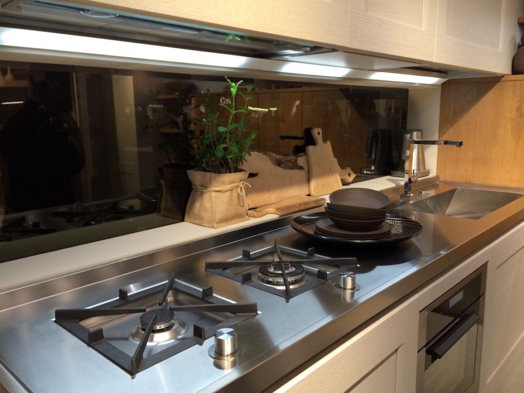 Stainless Steel Countertops Perfect For Hardworking