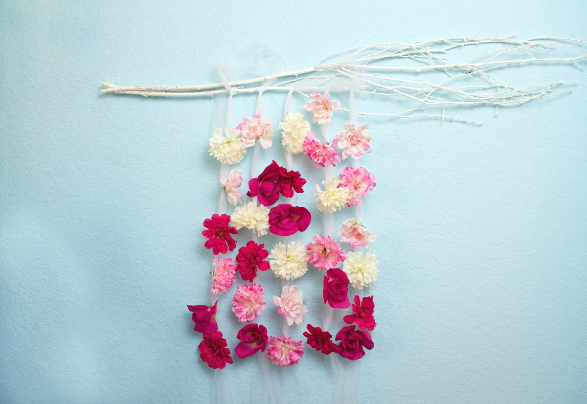 Floral Wall Hanging DIY Decor on Hanging Wall Sconces For Flowers id=73075