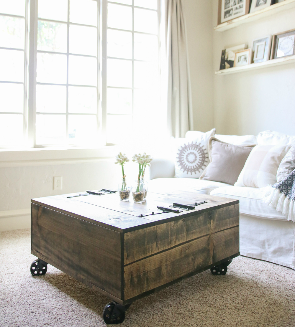 - 10 Coffee Tables On Wheels To DIY BaanSignature