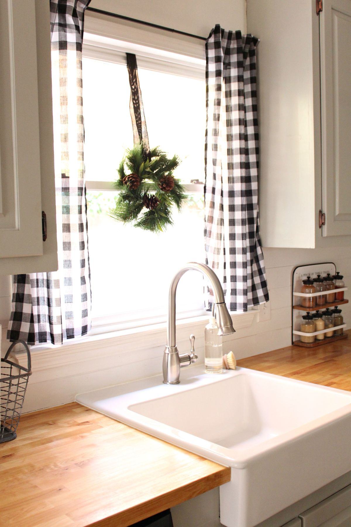 10 Best Patterns For Kitchen Curtains on Farmhouse Curtain Ideas  id=94843