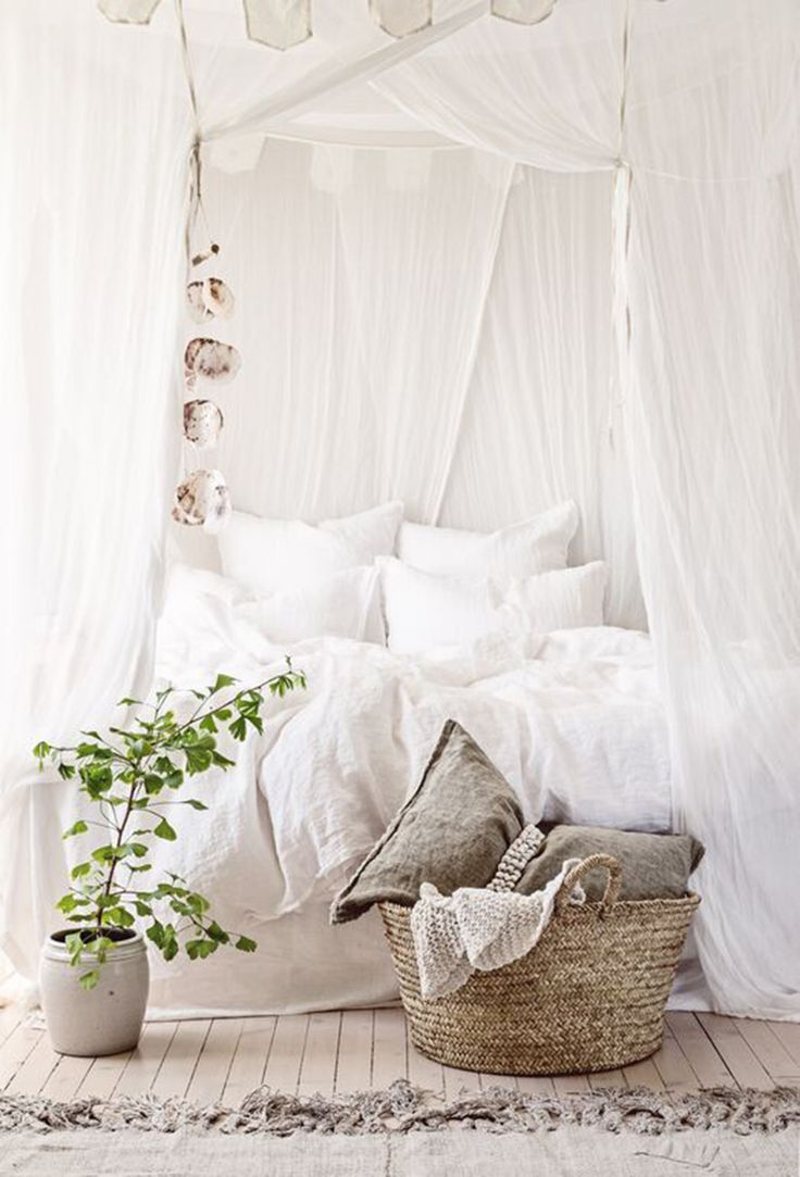 40 Bohemian Bedrooms To Fashion Your Eclectic Tastes After on Bohemian Bedroom Ideas  id=76297