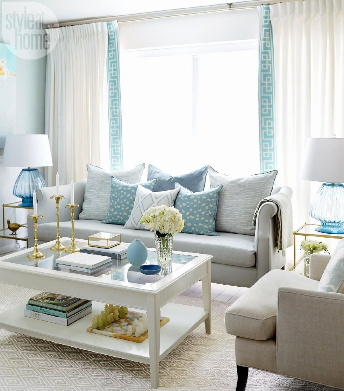 29 Blue Living Rooms Made For Relaxing on Room Decoration  id=58095