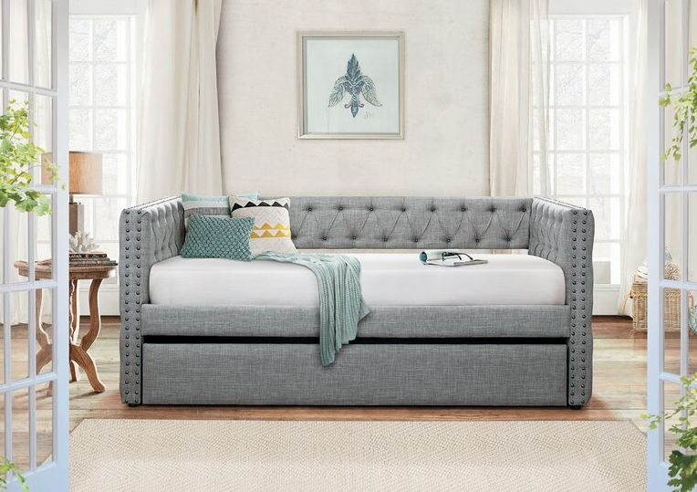 Hgtv shows you how to create a beautiful, modern daybed. How A Daybed With Trundle Can Help You Make The Most Of A Small Space