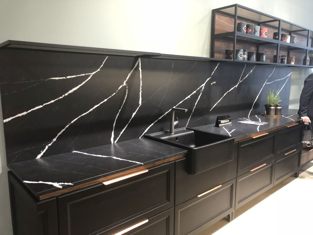 Sophisticated Kitchen Designs With Black Countertops on Kitchen Backsplash Ideas With Black Granite Countertops  id=62133