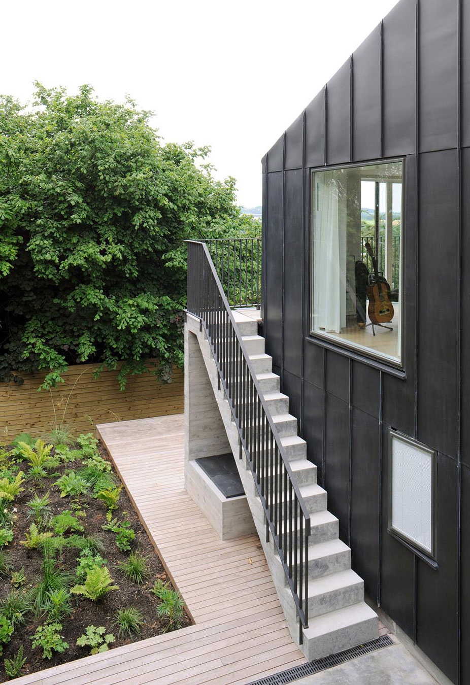 Modern Outdoor Stair Railing Designs And Ideas That ... on Backyard Stairs Ideas id=31300