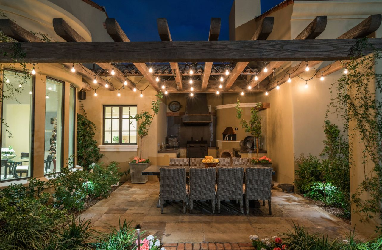 How To Use String Lights To Create Fantastic Outdoor Setups on Backyard String Light Designs id=90852