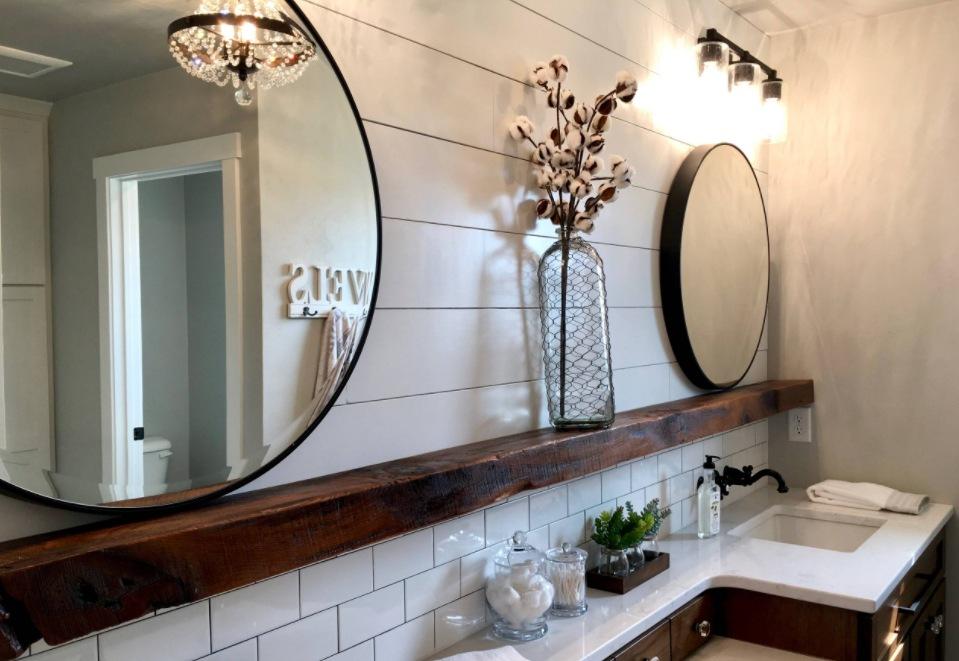 a farmhouse bathroom decor
