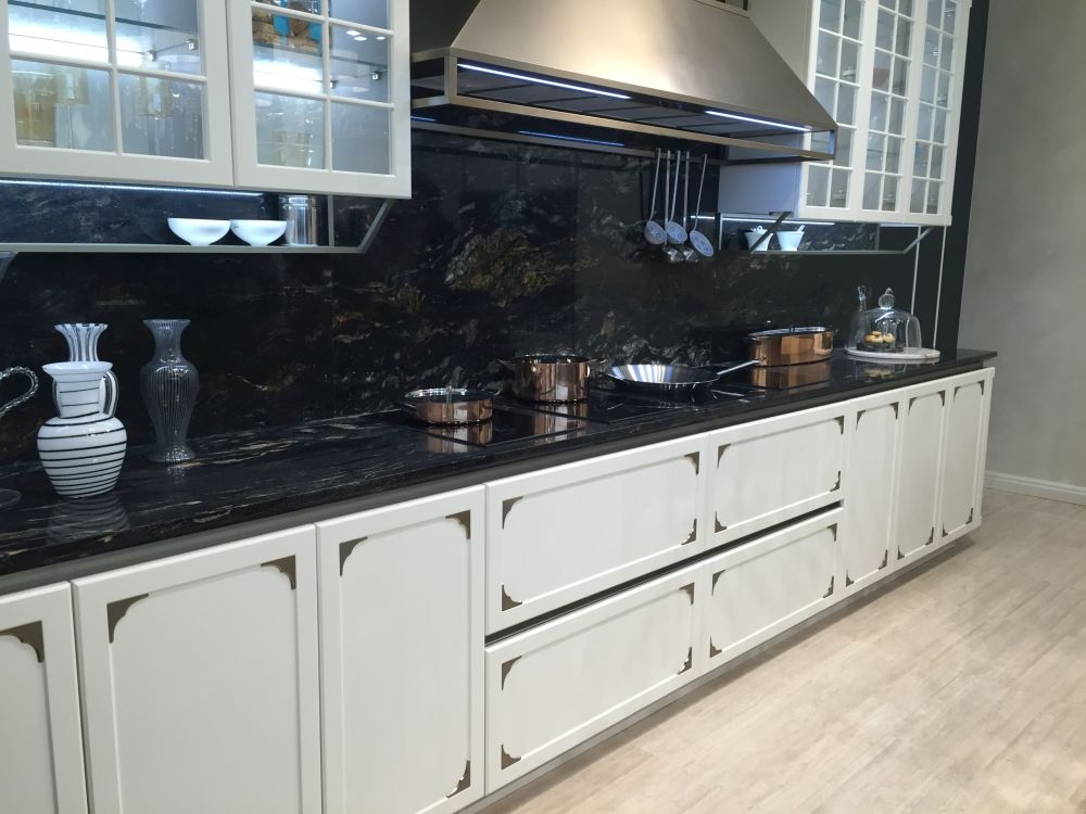 The Versatility Of Black Kitchen Backsplashes And How To ... on Kitchen Backsplash With Black Countertop  id=78314