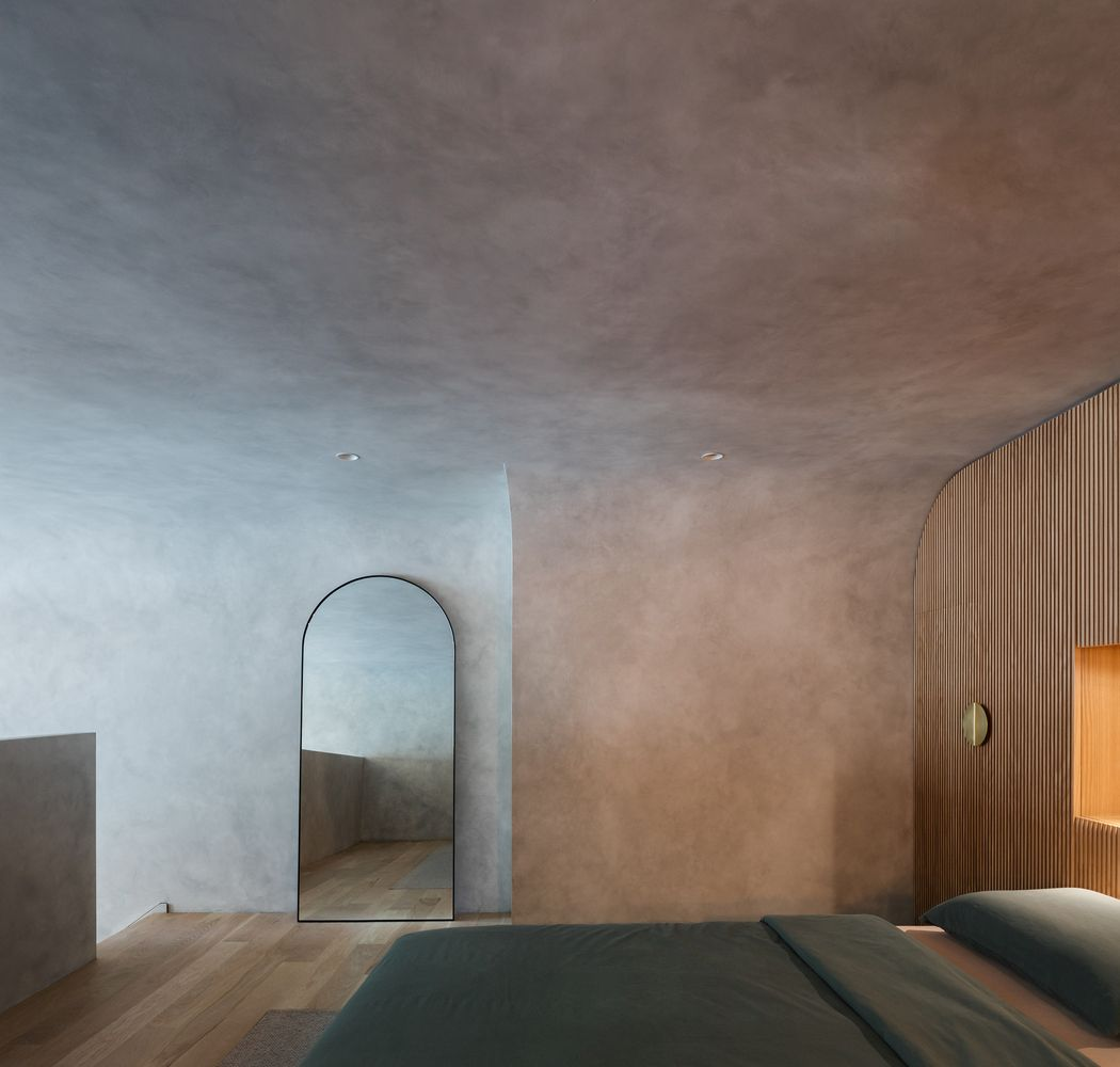 You can see here how seamless the transition between the walls and ceiling is