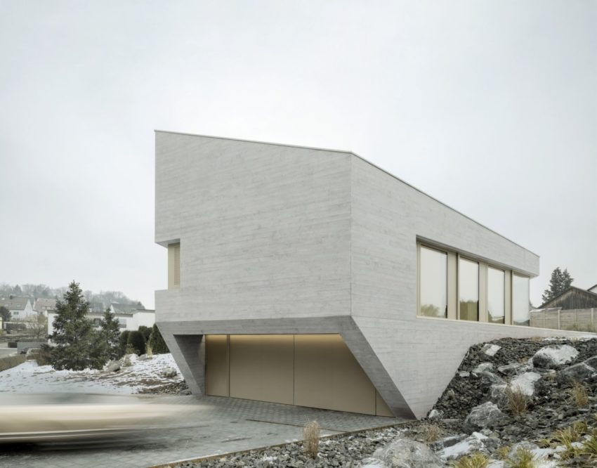 E20 House 02 850x666 Imposing Residence in a Quiet Street by Steimle Arhitekten
