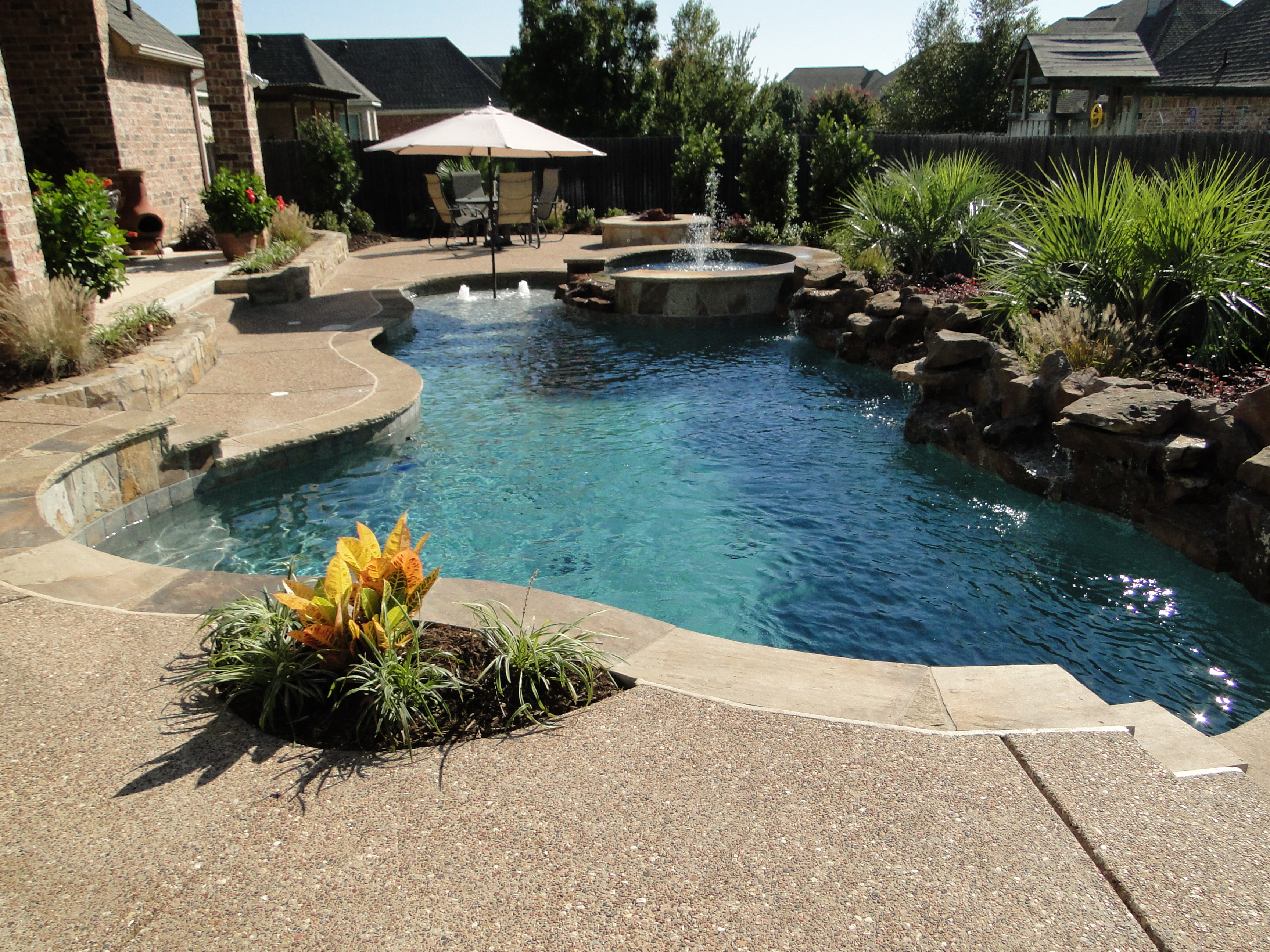 Backyard Landscaping Ideas-Swimming Pool Design ... on Backyard Pool Landscape Designs id=62692