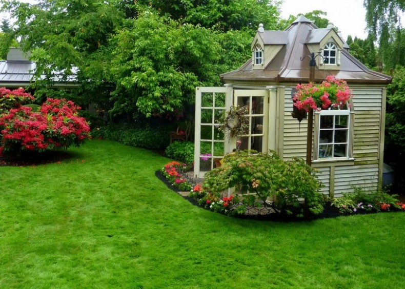 Backyard Landscaping Design Ideas-Charming Cottages and Sheds on Cottage Yard Ideas id=21722