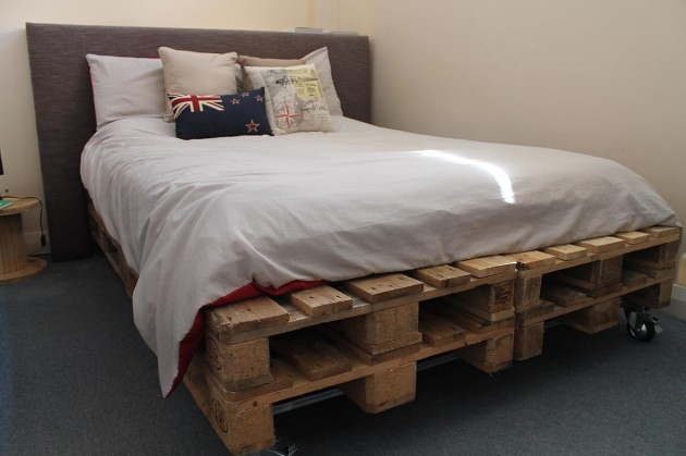 27 Ingeniously Beautiful DIY Pallet Bed Designs To ... on Bed Pallet Design  id=15548
