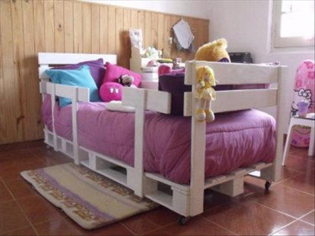 27 Ingeniously Beautiful DIY Pallet Bed Designs To ... on Bed Pallet Design  id=26494