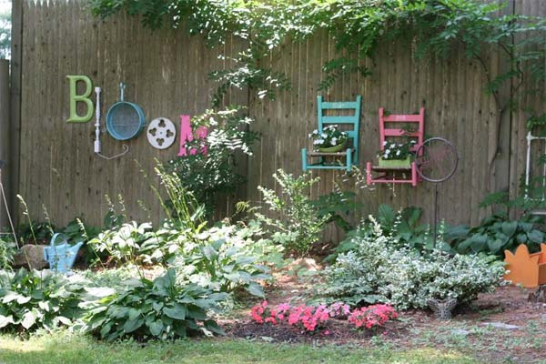 Get Creative With These 23 Fence Decorating Ideas and ... on Backyard Wall Decor Ideas  id=53914