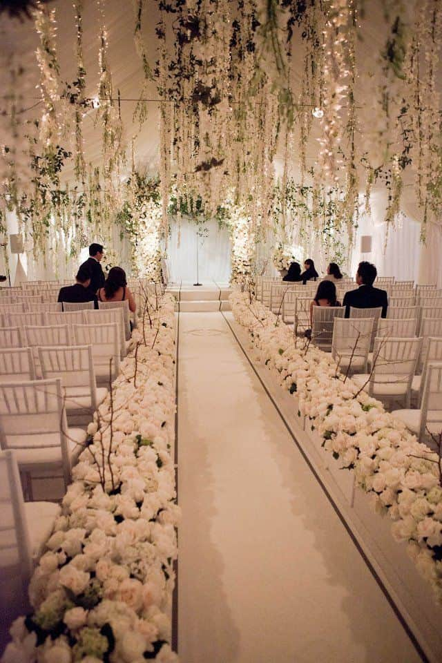 26 Stunningly Beautiful Decor Ideas For Indoor And Outdoor Weddings 4