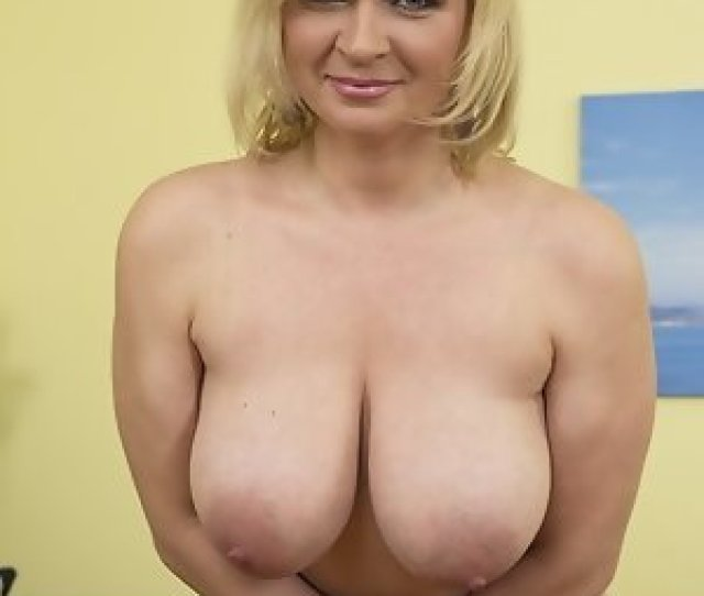 Naughty Housewife With Firm Tits Playing Alone Hot Steamy Milf