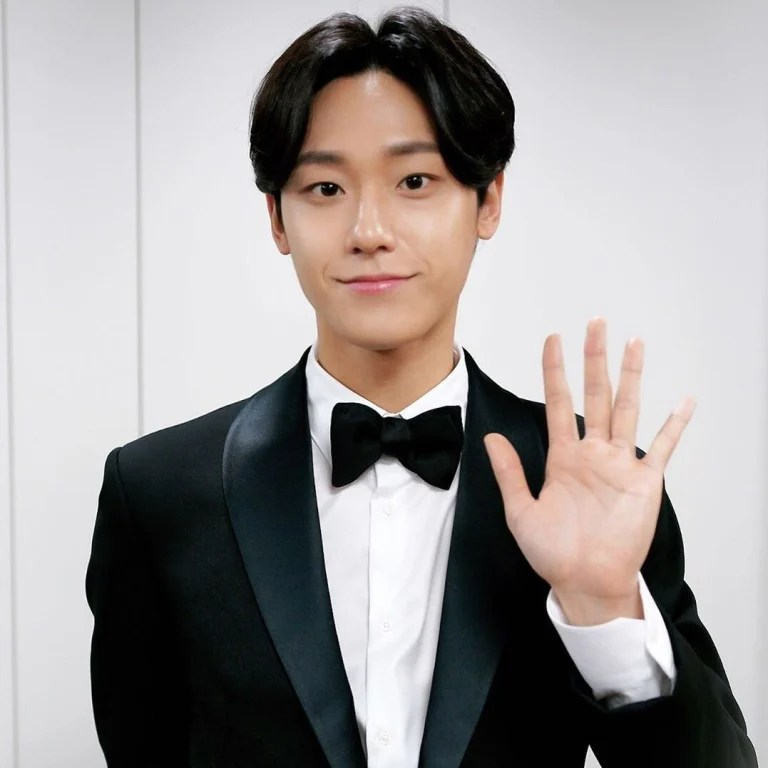 Grasie mercedes joins cast of new nbc wine comedy 'grand crew'. Starring In Both 18 Again And Sweet Home Lee Do Hyun Is The Korean Drama Star To Watch In 2020 He Even Broke Up With His Girlfriend To Prove It South