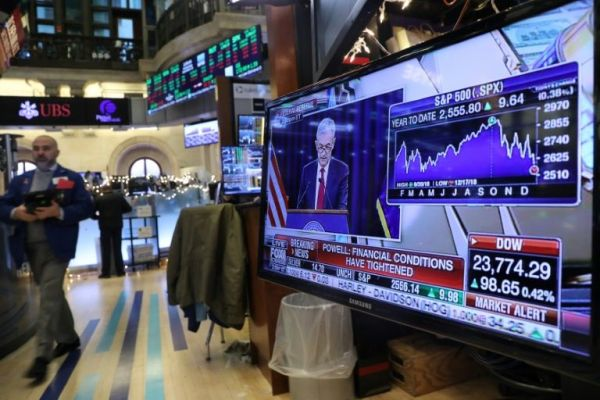 Losses on Wall Street deepen amid Washington turmoil | Aaj ...