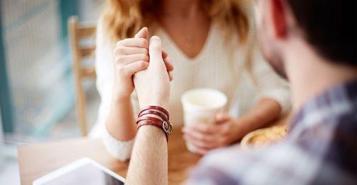 Pasanganmu Punya 5 Tanda Ini? Itu Artinya Ia Mencintaimu Apa Adanya!