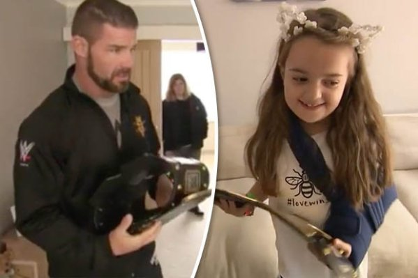 WWE champion Bobby Roode visits to Manchester Arena victim ...