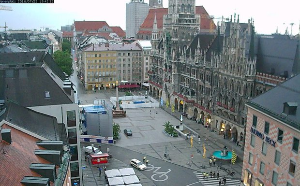Webcam footage in the Marienplatz U-Bahn square empty