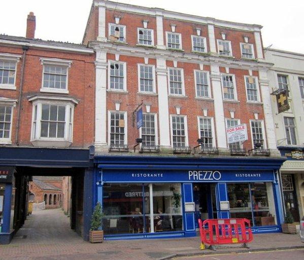 Prezzo restaurant chain to close a third of its United ...