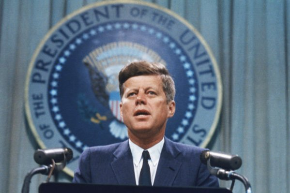 JFK assassination conspiracy theory 'PROOF' as sketch ...